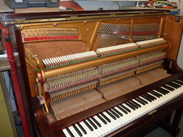 Melbourne expert piano tuner