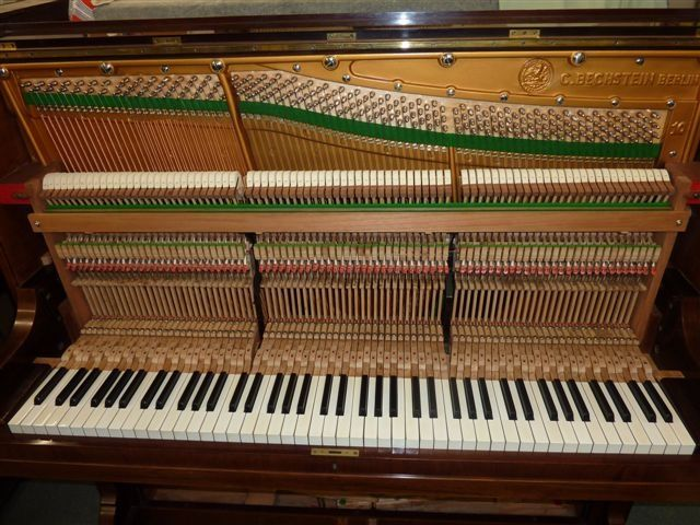 Melbourne quality piano tuner